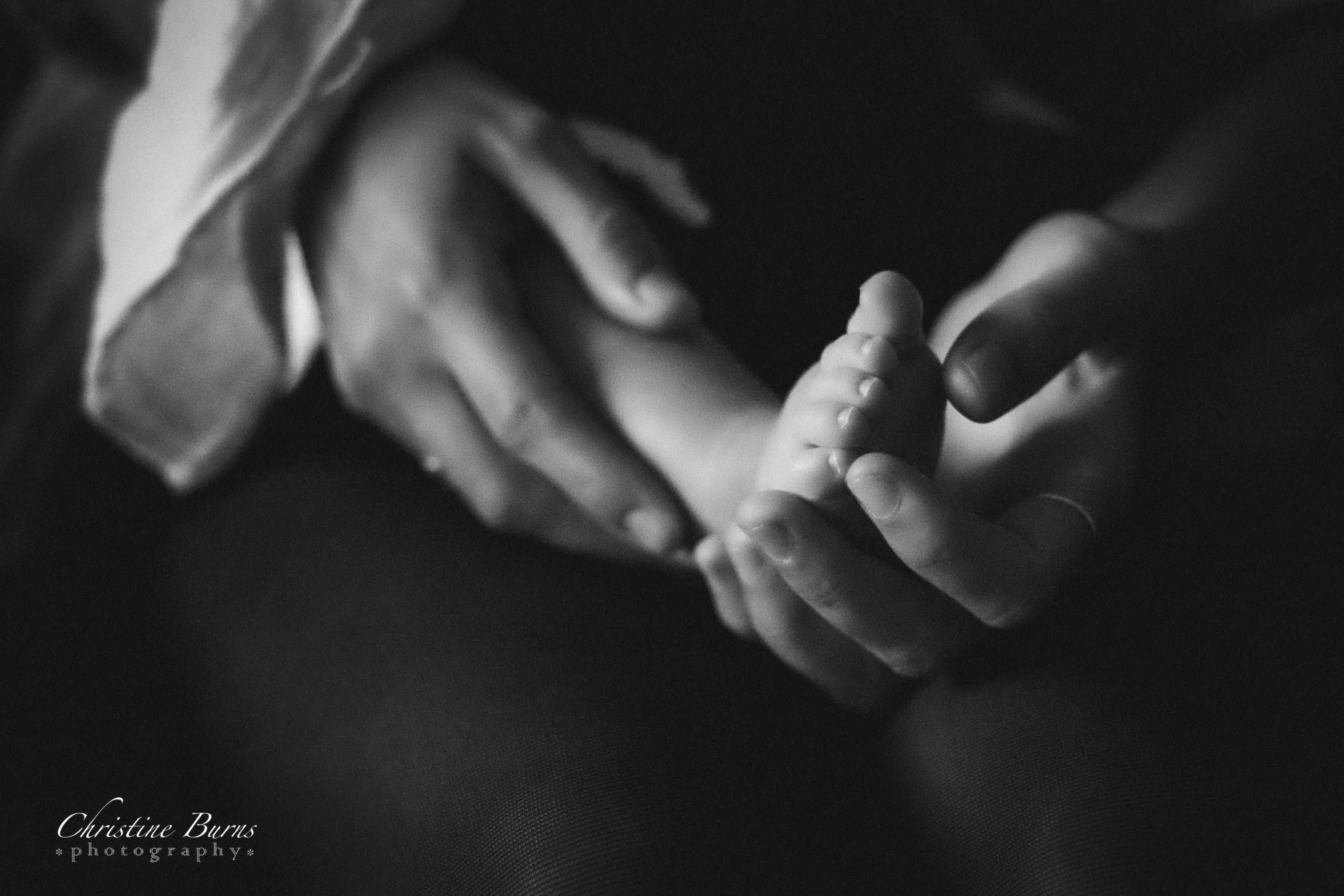 HANDS_BABY_FEET